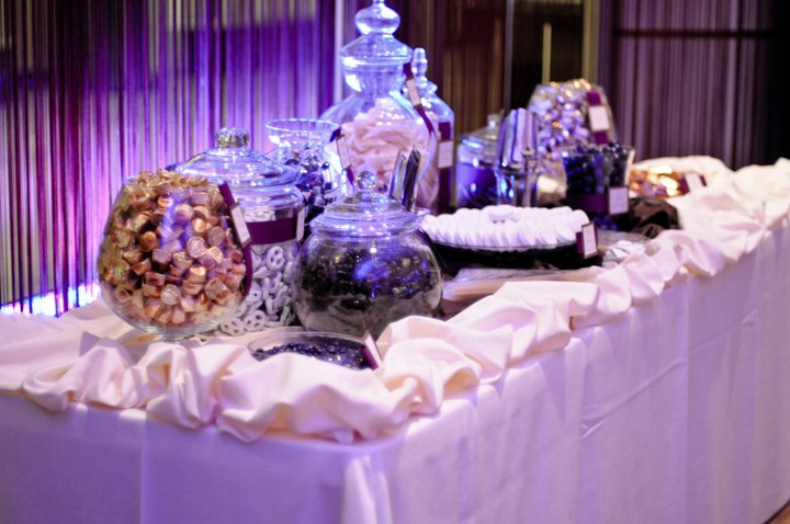 ADD A SWEET TOUCH TO YOUR SPECIAL EVENT WITH OUR BEAUTIFUL CANDY BARS